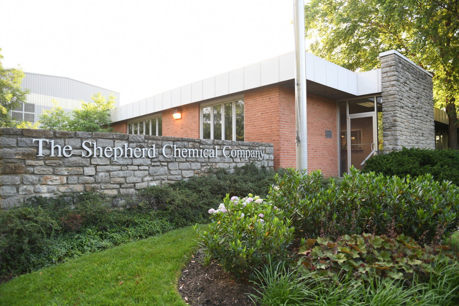 UC Students Visit the Shepherd Chemical Company